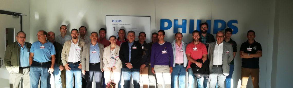 Apremie visita las instalaciones de la fábrica Philips Lighting en Valladolid